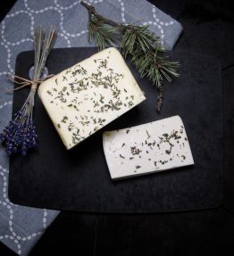 Bio - Schafskäse mit Kräuter